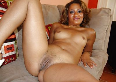 Ebony Mature videos